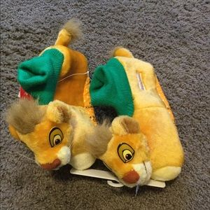 Disney Lion King child's slippers. NWT